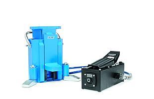 Hydraulický patkový zvedák OMCN 130/C (5 t)